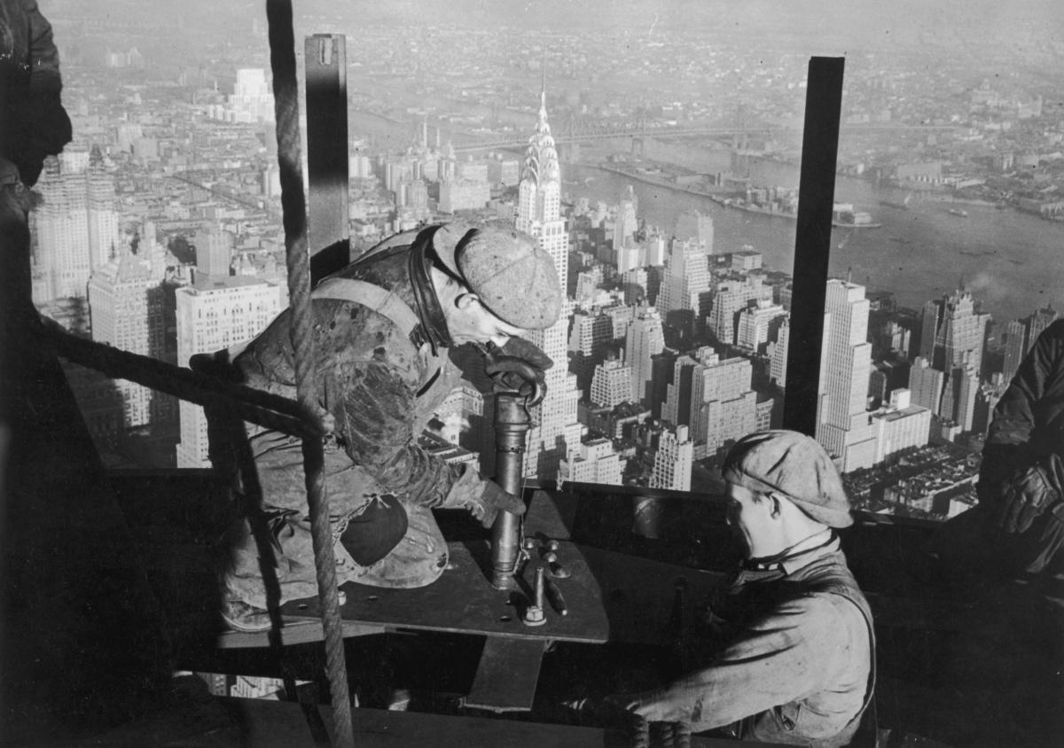 Lewis Hine - empire-state-building-construction