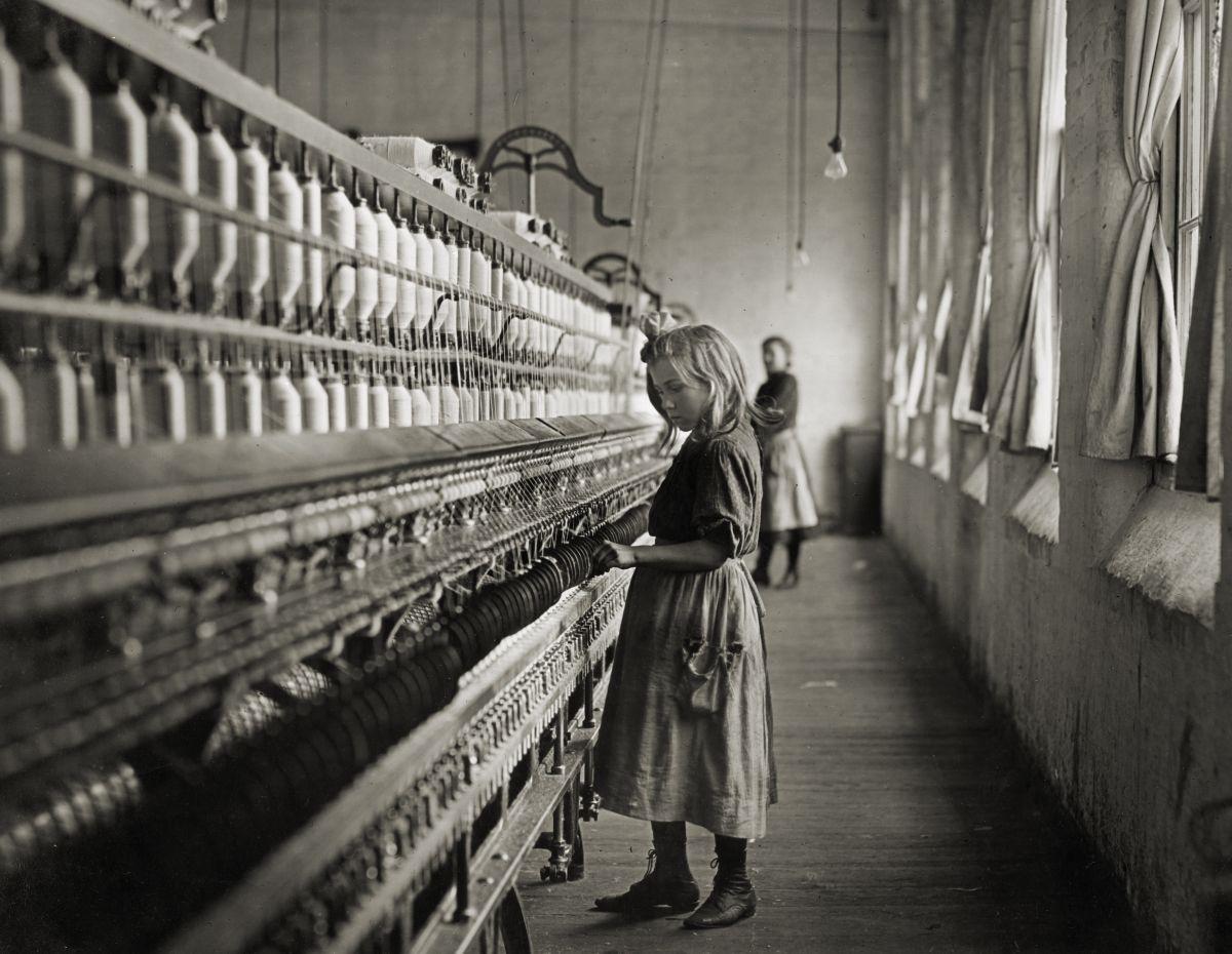 Sadie Pfeifer working in cotton mill - 1908