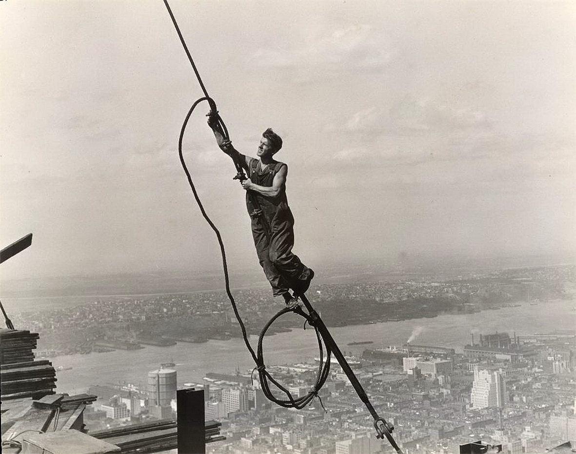 Lewis Hine - Icaro en el Empire State 1931