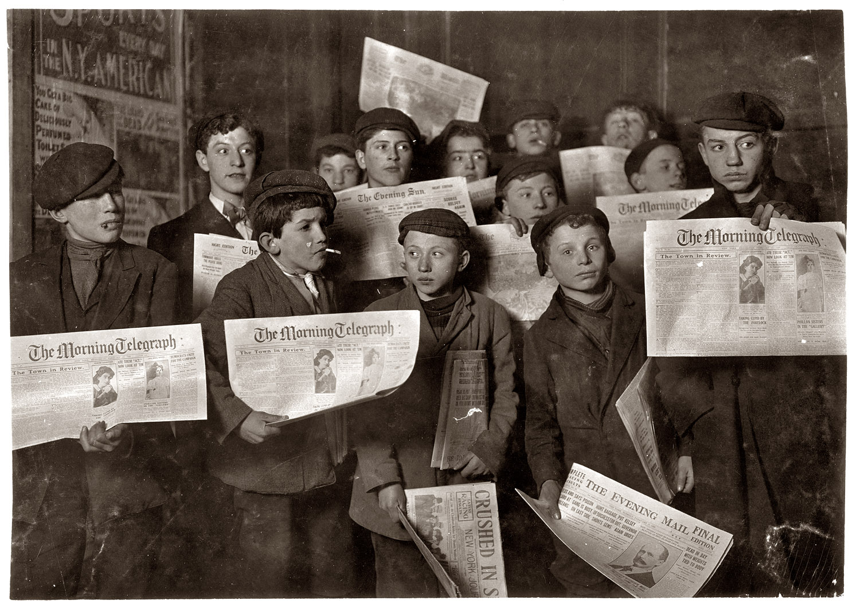 Lewis Hine - Vendedores de periódicos