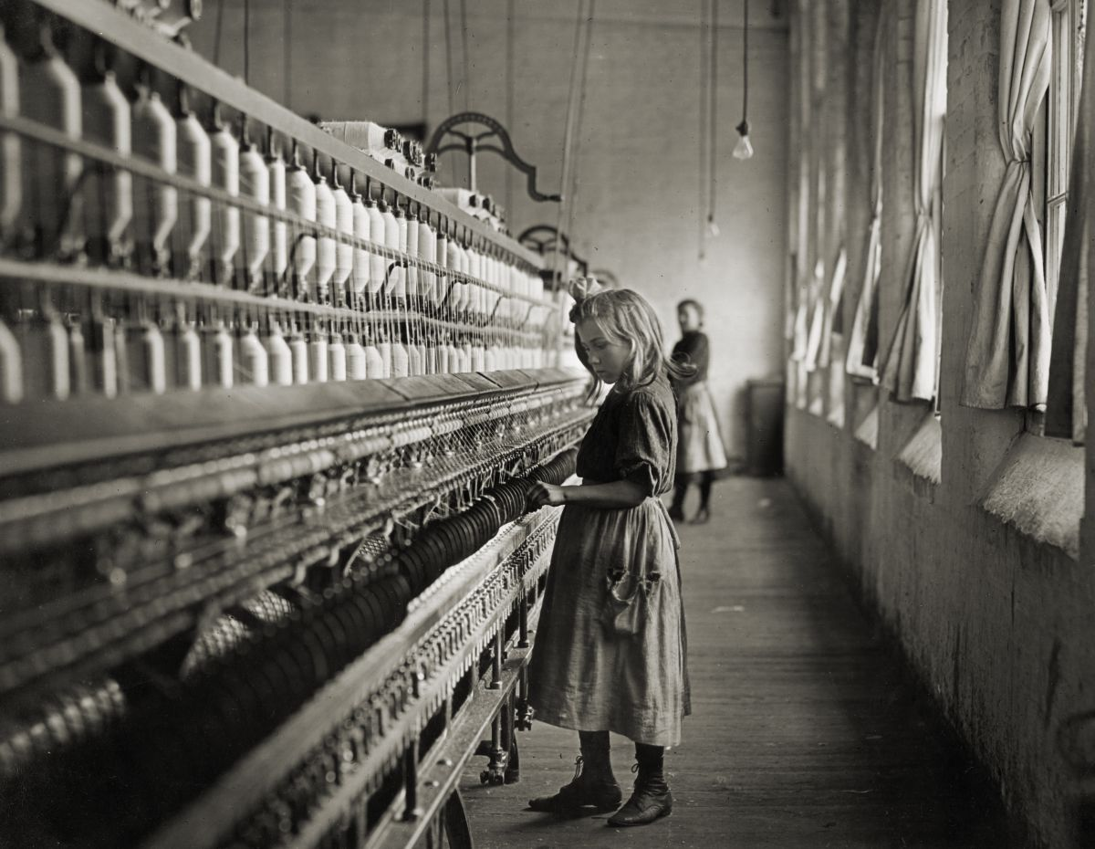Sadie Pfeifer working in cotton mill - 1908